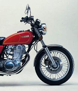 B kategóriás jogosítvánnyal vezethető 125ccm motor